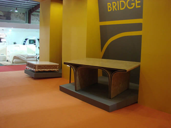 Tisch Ono Bridge